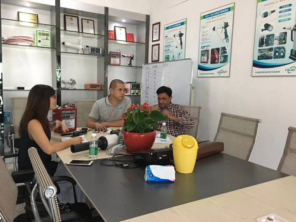 Pakistan customer visiting for HDA manual liquid electrostatic spray gun